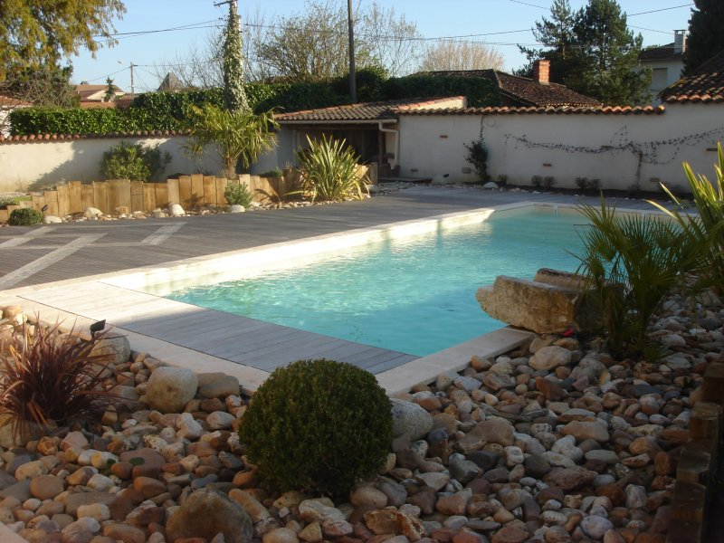 Piscines paysag es paysagiste lot et garonne 47 - Amenagement piscine design saint etienne ...